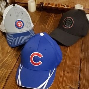 3 chicago cubs hats